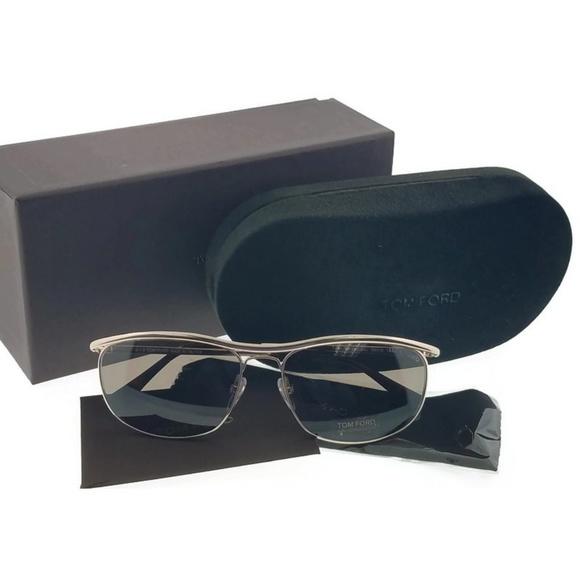 68e1a891db8 FT0287-28J Tate Unisex Gold Frame Sunglasses. NWT. TOM FORD